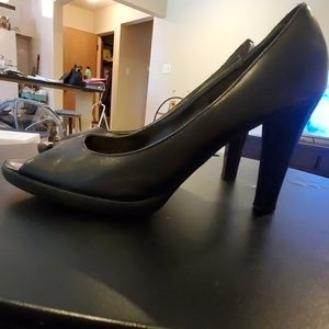 Worthington Black peep toe pumps